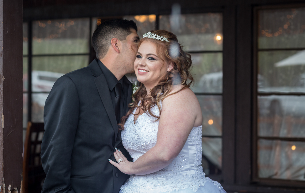 Rain or Shine: Oak Glen Wedding at Riley's