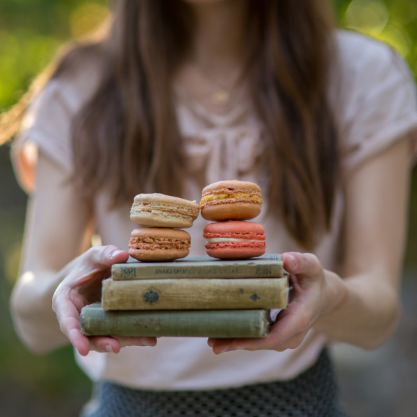 An Old Pup + A New Pup + French Macarons: Tin Roof Bakery & Cafe, Chico, CA