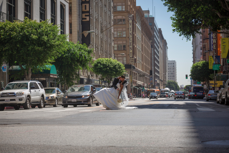 Two Hearts A Glow: Downtown Los Angeles City Athletic Club Nigerian Wedding